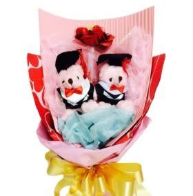 娃娃屋樂園~精緻手工2隻畢業熊迷你金莎花束 每束490元/畢業花束拍照最美