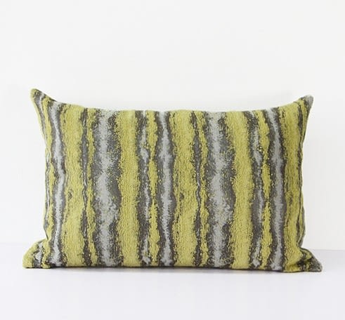 [協貿國際]簡約現代/沙發床頭/靠包抱枕/黃色雪尼爾三色提花條紋腰枕