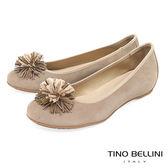 Tino Bellini 西班牙進口典雅繁花內增高娃娃鞋_ 駝 A83022 歐洲進口款