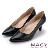 MAGY 簡約OL通勤款 大女人素雅羊皮尖頭高跟鞋-黑色
