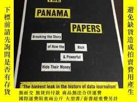 二手書博民逛書店The罕見Panama Papers: Breaking the