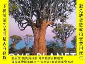 二手書博民逛書店One罕見Planet:A Celebration of Bio