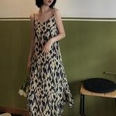 豹紋吊帶連身裙女春季秋內搭雪紡長裙2021新款法式復古溫柔風裙子 韓國時尚週