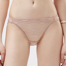 思薇爾-霓情舞漾系列M-XL蕾絲低腰三角內褲(彩膚色)