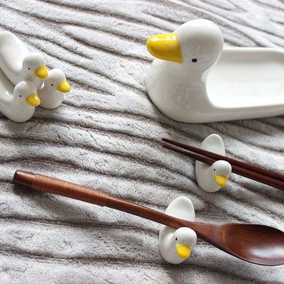 可愛創意筷架 餐桌擺件 裝飾 (一隻大鴨+五隻小鴨子)