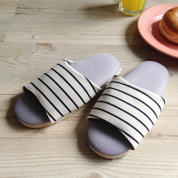 台灣製造-療癒系-舒活兒童室內拖鞋-純白條紋