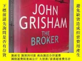 二手書博民逛書店英文原版小說罕見The Broker by John Grish