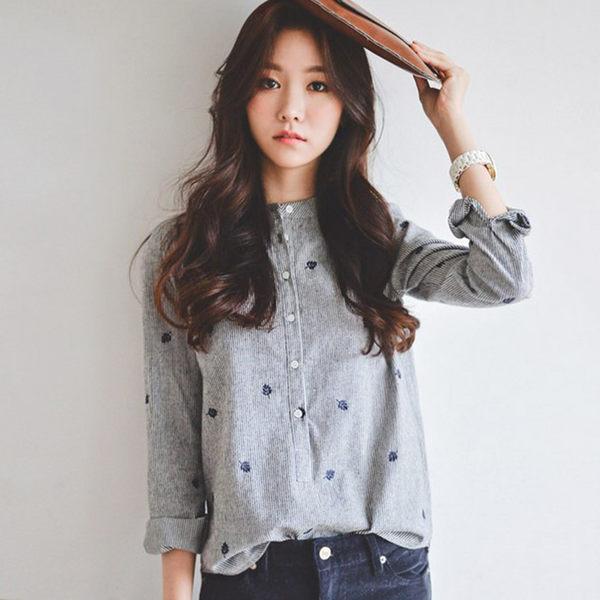 (全館一件免運)DE SHOP~立領楓葉刺繡長袖襯衫 (XA-8188)