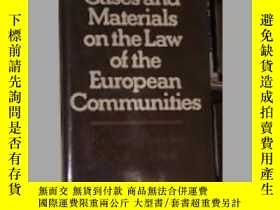 二手書博民逛書店Cases罕見and Materials on the Law