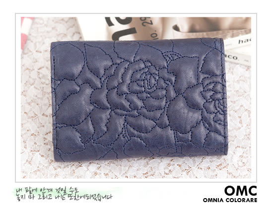 OMC - 專櫃花卉浮雕紋真皮中夾 - 星晨藍