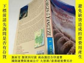 二手書博民逛書店Three罕見Gorges of the Yangtze Riv