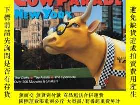 二手書博民逛書店Cow罕見Parade in New York(銅板彩印)Y26