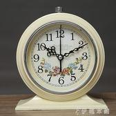 鬧鐘 歐式復古學生用靜音小鬧鐘床頭臥室創意夜燈鬧錶簡約座鐘時鐘擺件 伊鞋本鋪