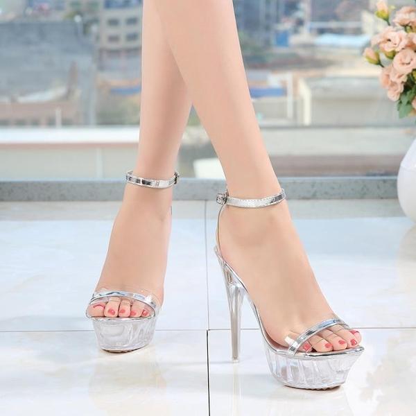 春夏透明水晶涼鞋女細跟一字扣大碼超高跟鞋模特走秀鞋 歌莉婭