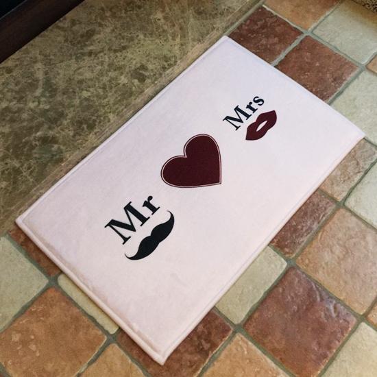 ✭米菈生活館✭【V03】Mr&Mrs愛心圖案地墊(短) 門墊 腳墊 地毯 玄關 浴室 廚房 臥室 客廳 防滑 時尚