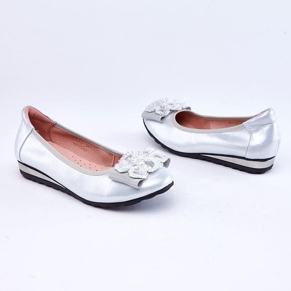 kadia.璀璨奢華-花朵羊皮包鞋(9012-81銀色)