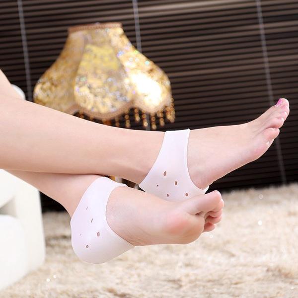Qmishop 矽膠後跟保護套 帶孔 足跟乾裂保護男女用足部龜裂防護套 【QS149】