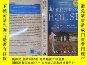 二手書博民逛書店The罕見Outermost House: A Year of Life On The Great Beach o