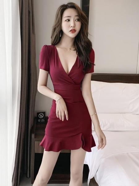 夜店女裝v領低胸性感連身裙短款夏收腰修身顯瘦漏胸包臀裙魚尾裙