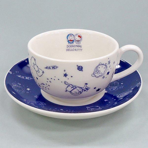 【震撼精品百貨】Hello Kitty 凱蒂貓~HELLO KITTY X 哆啦A夢 DORAEMON 太空人咖啡杯盤組
