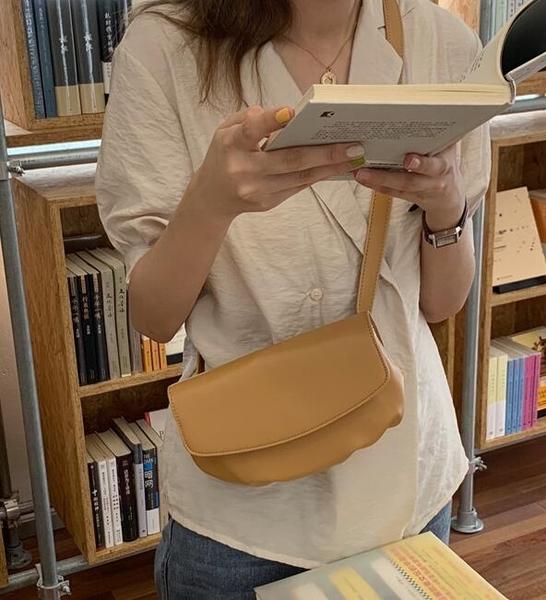 單肩斜挎胸包純色