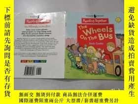 二手書博民逛書店the罕見wheels on the bus:公共汽車上的輪子Y212829