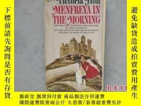 二手書博民逛書店Menfreya罕見in the Morning by Holt