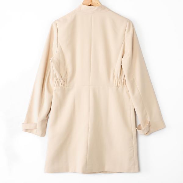 【MASTINA】彈性收腰中長款西裝外套-杏 好康優惠