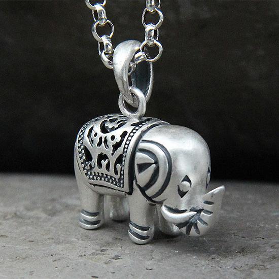 《 QBOX 》FASHION 飾品【S20C48】精緻個性招財立體小象S990純銀項鍊/泰銀吊墜