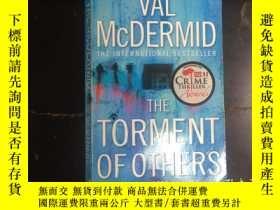 二手書博民逛書店The罕見Torment Of OthersY270271 Va