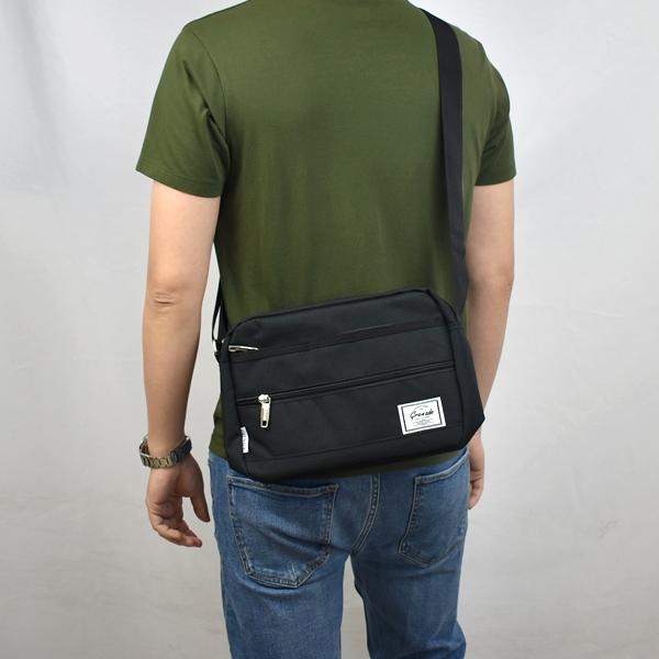 側背包 小白布標休閒包包NZC16