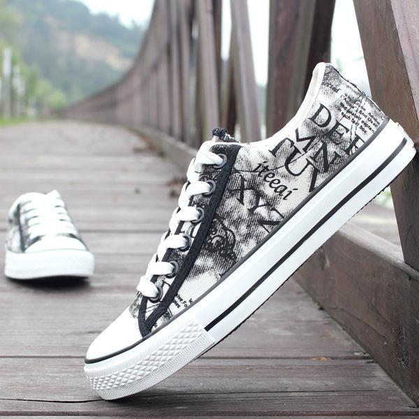 低幫帆布鞋男鞋韓版板鞋透氣手繪涂鴉布鞋子休閒鞋潮 潮男街