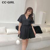 中大尺碼 氣質V領上衣+短裙 兩件式套裝 - 適XL~4L《 66539K 》CC-GIRL