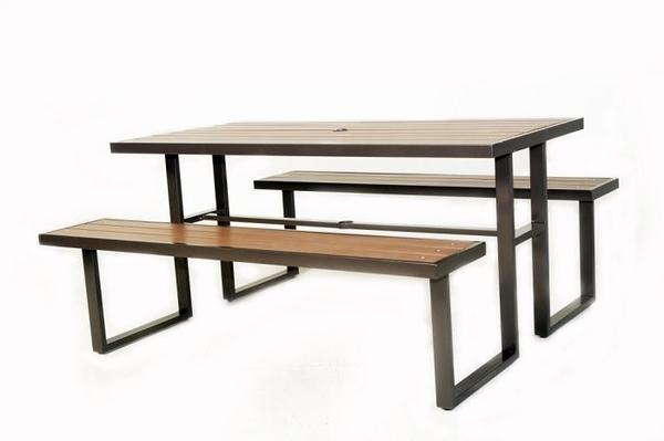 【南洋風休閒傢俱】戶外休閒桌椅系列 -塑木野餐啤酒桌椅組 可插傘 戶外桌椅組(S43A17)