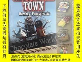 二手書博民逛書店The罕見Mystery in Chocolate Town: