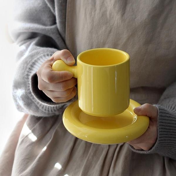 可愛蛋形咖啡杯碟甜品蛋糕碟馬卡龍色馬克杯早餐牛奶杯辦公室水杯 艾瑞斯「快速出貨」