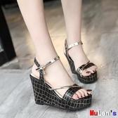 【伊人閣】楔形涼鞋 坡跟涼鞋 厚底鞋 增高 鬆糕鞋