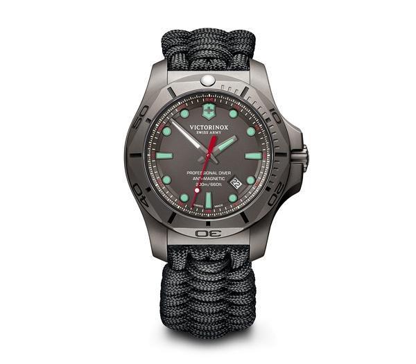 VICTORINOX維氏 瑞士專業潛水錶 鈦金屬 男錶/傘繩套組 (VISA-249131) /45mm