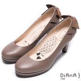 DIANA 薛小姐專屬賣場-甜漾蝴蝶結鉚釘真皮跟鞋-可可★特價商品恕不能換貨★