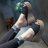 拖鞋女2018夏季新款韓版百搭亮片一字拖松糕厚底坡跟外穿增高涼拖-大小姐韓風館