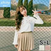 【V2024】shiny藍格子-甜美學院.純色顯瘦刺繡荷葉袖上衣
