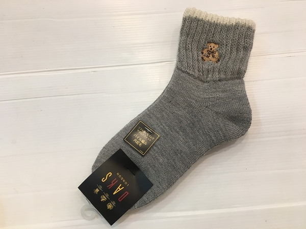 【京之物語】日本製DAKS格紋小熊灰色居家厚實保暖襪-現貨