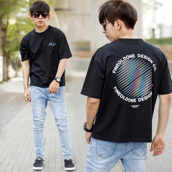 T恤 彩色反光圓形圖騰FLD左胸文字短T【NB1022J】