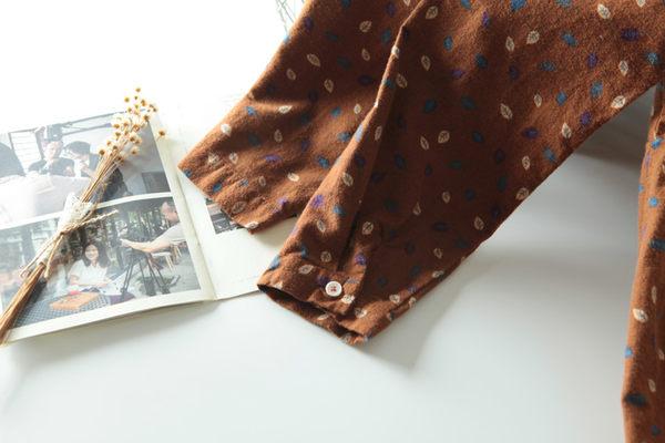 鋪棉長版上衣 彩葉磨毛開釦二色-月兒的綺麗莊園