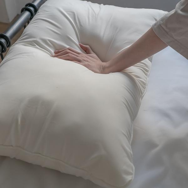 兔兔無憂枕(一組二入) 複合式材質 自由塑形高度 手感特殊 附棉麻提袋 台灣製