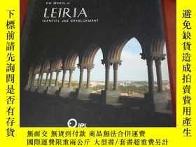 二手書博民逛書店THE罕見REGION of LEIRIA IDENTITY a