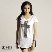 【BTIS】立體蕾絲圖騰十字架 短袖上衣  / 白色