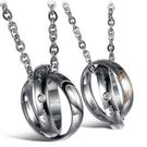 《 QBOX 》FASHION 飾品【C100N830】精緻個性情侶雙環鑲鑽愛心316L鈦鋼墬子項鍊(男/女單款)