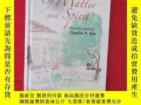 二手書博民逛書店Of罕見Matter and Spirit: Selected