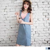 OB嚴選《DA2564-》青春不敗~牛仔深V字領口寬版剪裁洋裝.2色--適 S~L